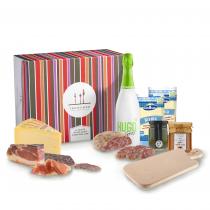 Tagliere aperitivo di salumi e formaggi del Trentino con Hugo Spritz